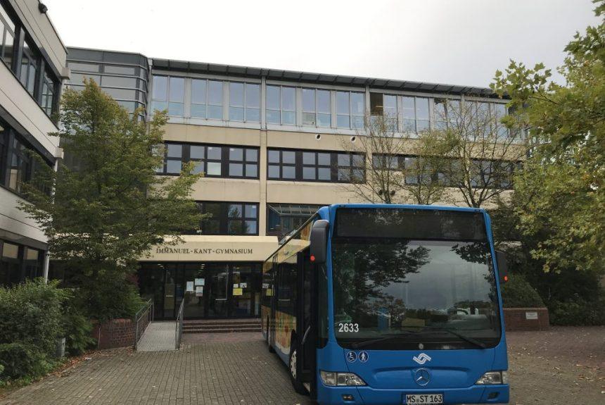 Gefahren im und am Bus – Das Verkehrssicherheitstraining der 5. Klassen