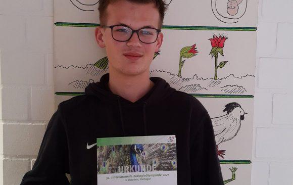 Toller Erfolg für Lasse Triebel bei der Science Olympiade Biologie