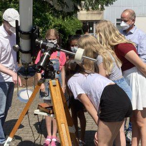 Die partielle Sonnenfinsternis am 10. Juni 2021 – Bestens zu sehen am KANT