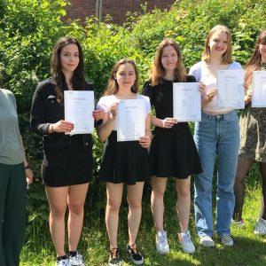 Mathilda, Sina, Sara, Marina und Franziska beeindrucken in der TELC-Prüfung im Fach Italienisch