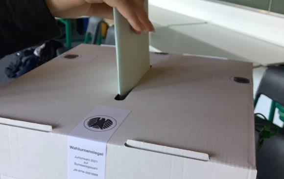 Demokratie und Bundestagswahl hautnah: Die Juniorwahl am KANT
